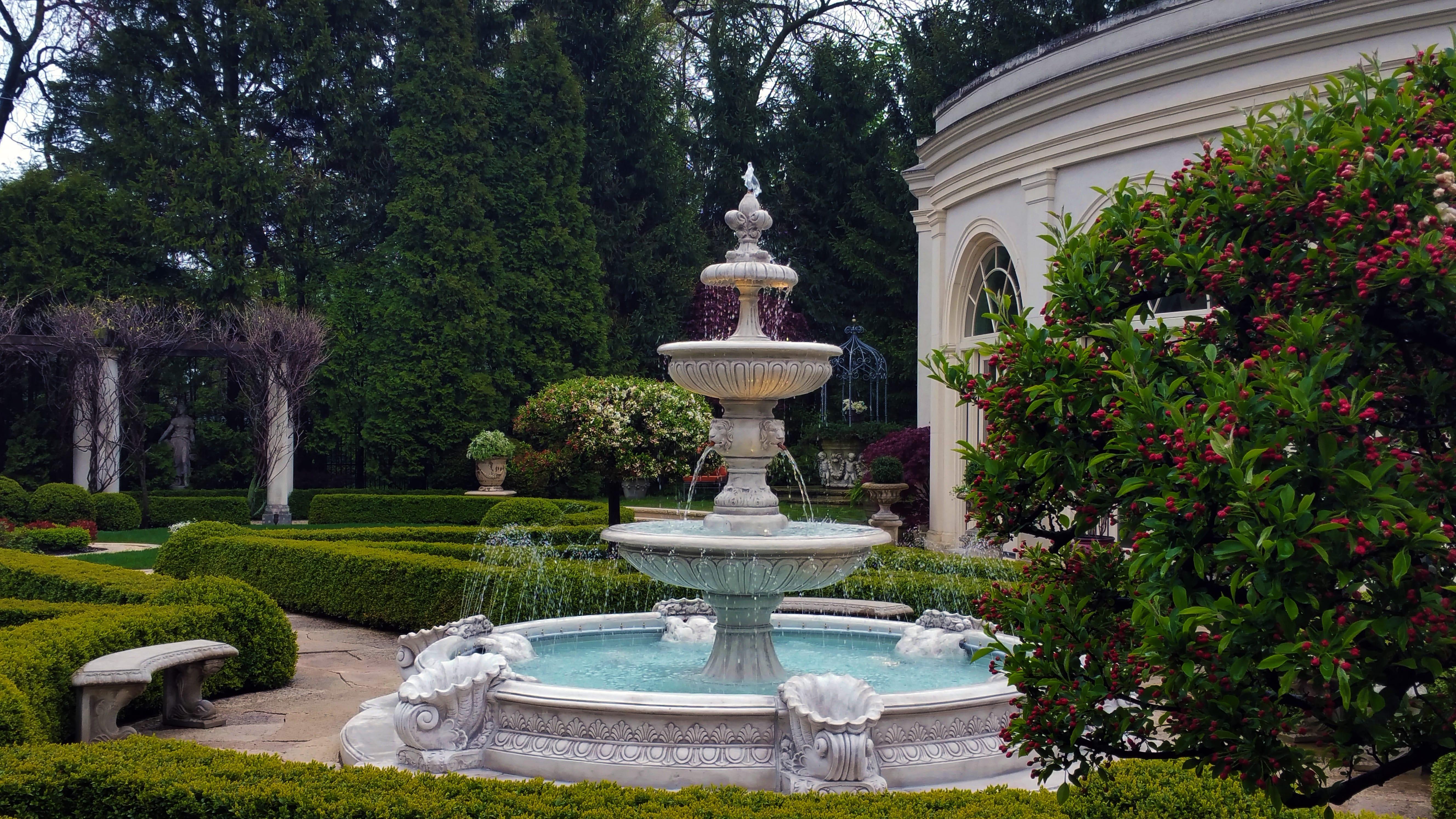 Knot Garden Italian Fountain
